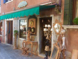 Cavalier Putten und Spiegel in Venedig einkaufen