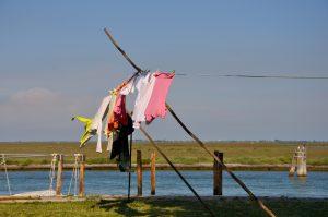 Burano einer der Inseln in Venedig Wäsche trocknet im Wind Veneziai