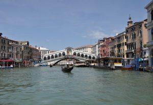 Pflichtprogramm Venedig Rialtobrücke am Canal Grande